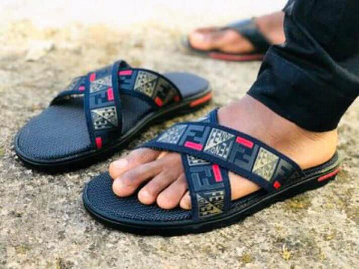 Chad Palm Slippers - Pristyno Store